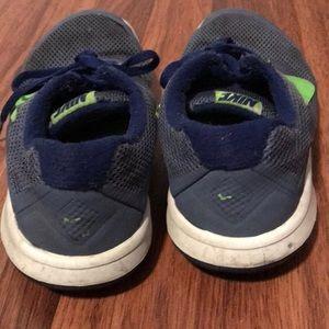 Nike Shoes - Big boys Nike running shoe
